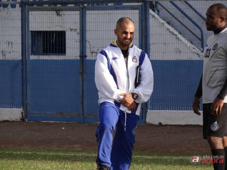 """Guanaes espera reforços para a sequência da Série B. """"Os atletas irão compor o grupo"""". Foto: Marcos Escrivani -"""