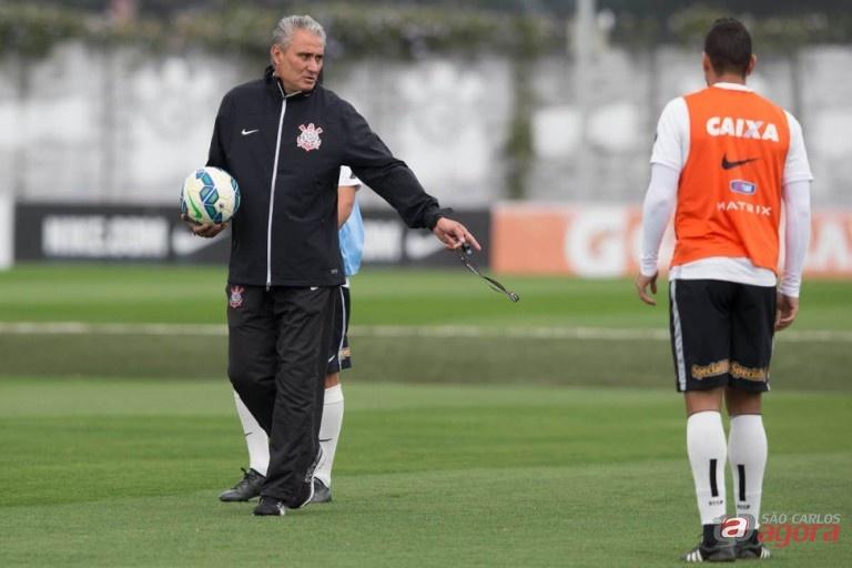 Em Porto Alegre, o técnico Tite deve praticamente repetir a escalação utilizada no último domingo. Daniel Augusto Jr/Site Oficial do Corinthians -