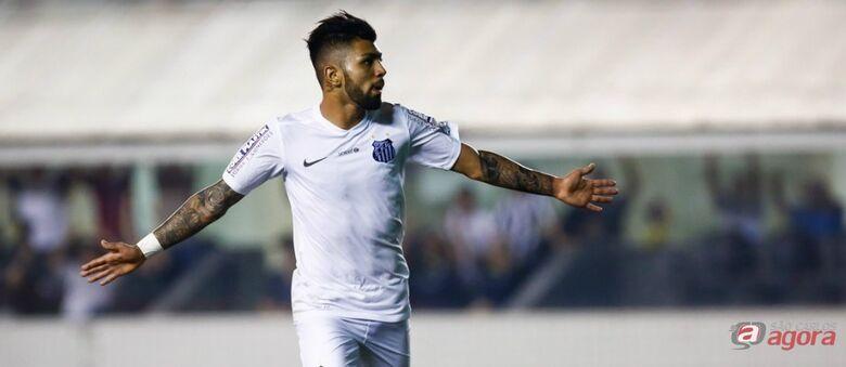 Gabriel comemora gol. Vitória coloca Santos na briga pelo G4. Foto: Ivan Storti/Santos FC -