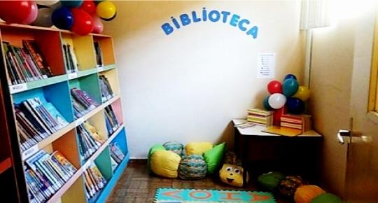 Espaço da Biblioteca da UAC reorganizado a partir de atividade de extensão realizada no primeiro semestre deste ano. Foto: Arquivo UAC -