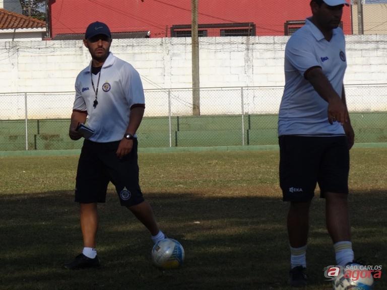 """Guanaes exige comprometimento e seriedade dos atleta. """"Nada está ganho, ainda"""". Foto: Marcos Escrivani -"""