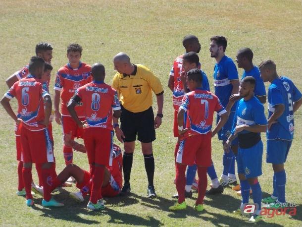 Com três jogos do São Carlos em seu currículo, Gonçalves não traz boas lembranças para a torcida são-carlense. Foto: Rovanir Frias/SCFC -