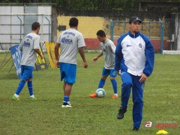 Jogadores da Águia treinam em Santos: preparação para encarar o Jabaquara. Foto: Rovanir Frias/SCFC -