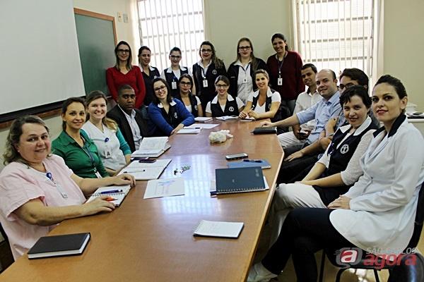 Grupo de Humanização da Santa Casa de São calos promove atividade cultural e de qualificação durante esta semana -