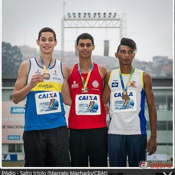 Além da segunda colocação, Luís alcançou sua melhor marca da recente carreira ao saltar 14m83. Foto: Marcelo Machado/CBAt -