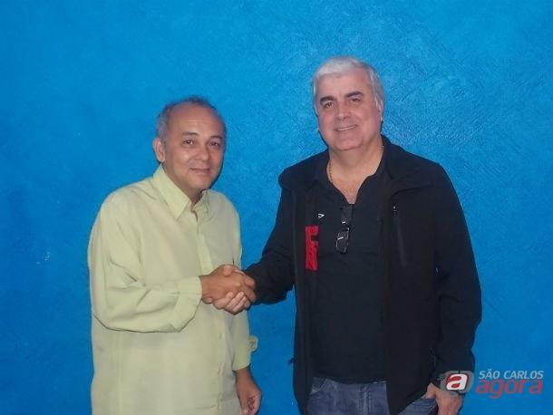 Mayeda com Antunes na época que ele era gerente de futebol da Águia. Foto: Rovanir Frias/SCFC -