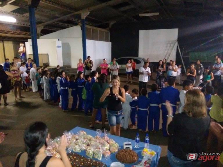 Crianças foram homenageadas e tiveram uma tarde bem agradável. Fotos: Divulgação -