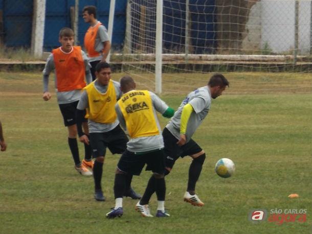 Equipe treina sob o comando de Guanaes. Preparação para mais uma batalha. Foto: Rovanir Frias/SCFC -