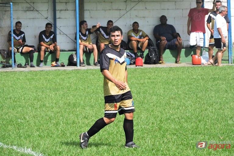 Presbiteriana Renovada contou com três gols de David para superar a Ibap. Foto: Gustavo Curvelo/Divulgação -