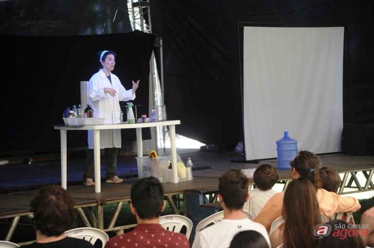 UFSCar promove Circo da Ciência para alunos dos ensinos Médio e Fundamental. Foto: Enzo Kuratomi/CCS -