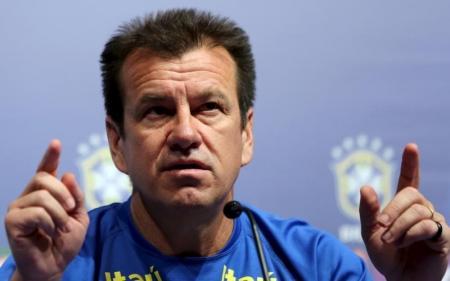 Dunga optou por mesclar jogadores experientes com atletas jovens. Foto: Reuters/Paulo Whitaker -