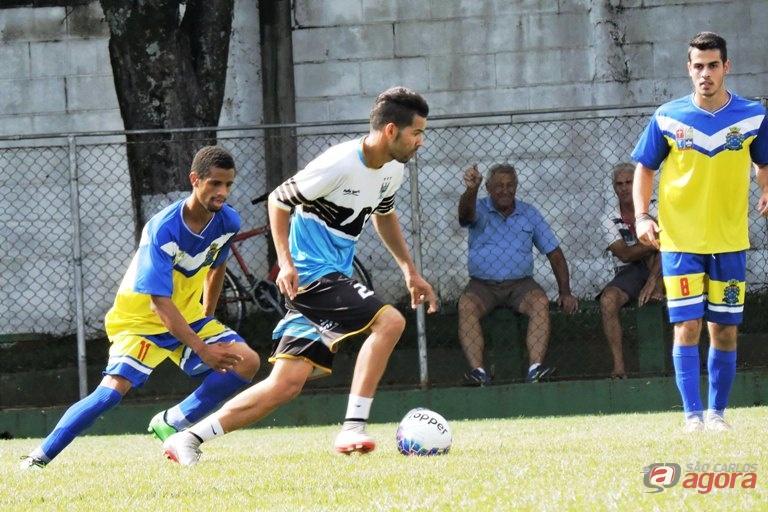 Lateral-direito foi convocado após atuar pela Nazareno. Foto: Gustavo Curvelo/Divulgação) -