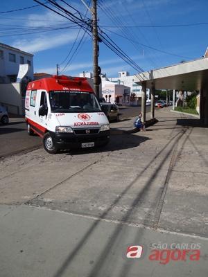 Vítima foi transferida para a Santa Casa de São Carlos. (foto Divulgação) -