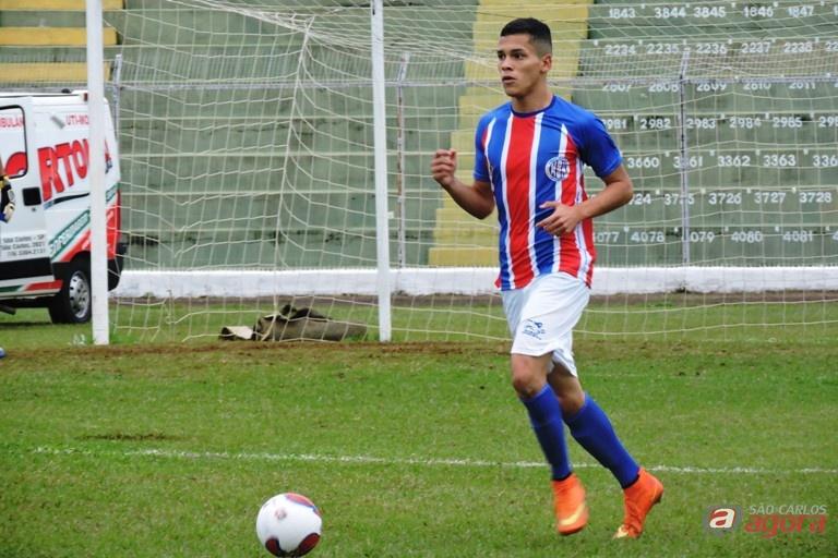 Pedro é um dos responsáveis pela defesa gremista ter sofrido apenas um gol em três jogos. Foto: Gustavo Curvelo/Divulgação -