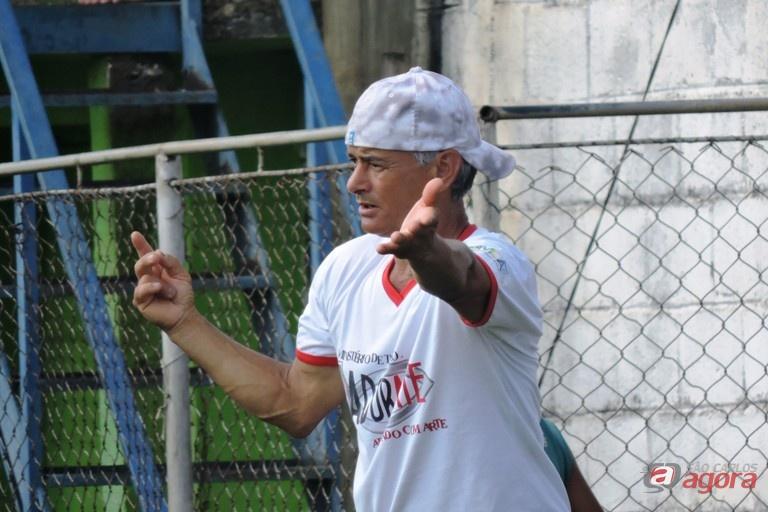 Gaúcho é o treinador e representante da equipe. Foto: Gustavo Curvelo/Divulgação -