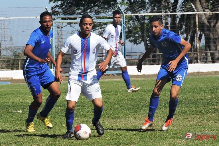 Equipe sub18 perdeu a invencibilidade em São Carlos. Foto: Gustavo Curvelo/Divulgação -