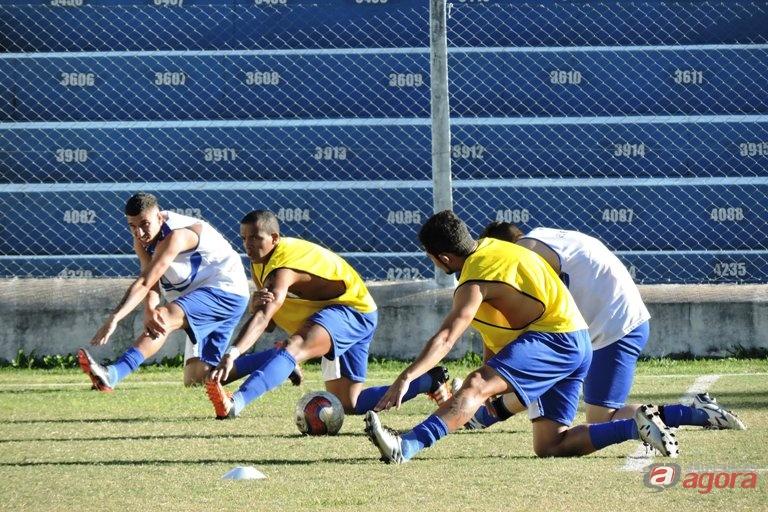 Treino físico é a primeira atividade para o jogo contra o Talentos 10. Foto: Gustavo Curvelo/Divulgação -