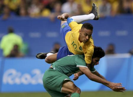 Neymar em jogo do Brasil contra o Iraque  Foto: Reuters/Ueslei Marcelino -