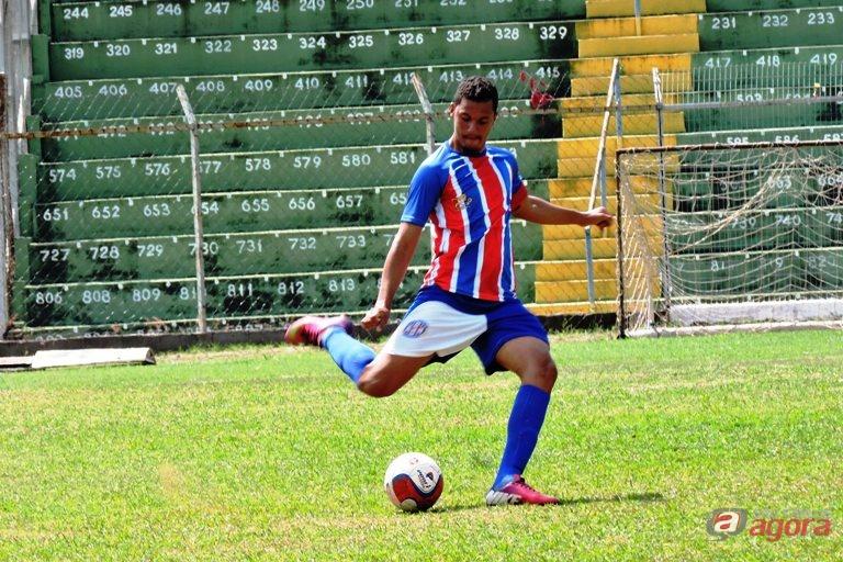 Titular em todas as partidas, Léo Brito parte para seu 14º confronto pelo Lobão. Foto: Gustavo Curvelo/Divulgação -