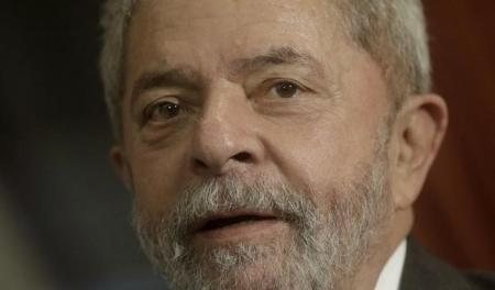 Ex-presidente Luiz Inácio Lula da Silva durante reunião com membros do Partido dos Trabalhadores. Foto: Reuters/Paulo Whitaker -