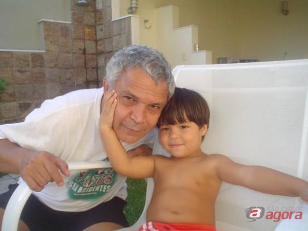 O engenheiro Antonio Carlos Ratto e o filho Lucas. (foto arquivo pessoal) -