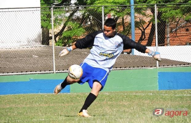 Após cinco partidas, Fabio ainda não sofreu gols. Foto: Gustavo Curvelo/Divulgação -