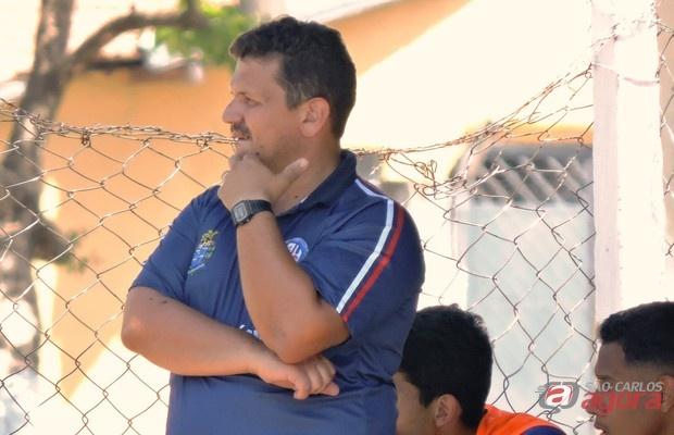 Para o treinador, retrospecto recente é consequência da evolução da equipe. Foto: Gustavo Curvelo/Divulgação -