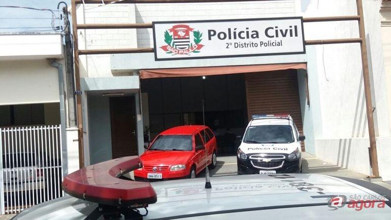 Dupla armada de pistola assalta caminhão de bebidas no Cidade Aracy -