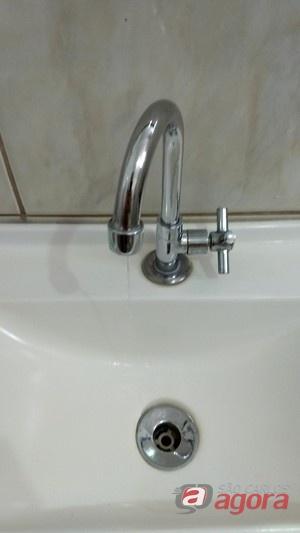 Consumidores sofrem com constante falta de água no Santa Felícia -