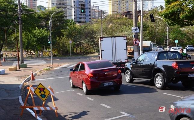 Região da Miguel Petroni tem novos semáforos -