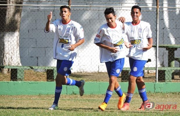 Sub16 do Grêmio Sãocarlense é responsável pela melhor campanha da categoria.  Foto: Gustavo Curvelo/Divulgação -