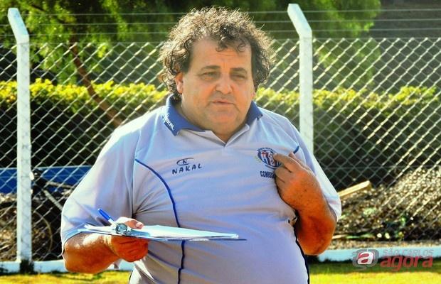 Valdir Robles quer consolidar o primeiro lugar contra o Independente. Foto: Gustavo Curvelo/Divulgação -