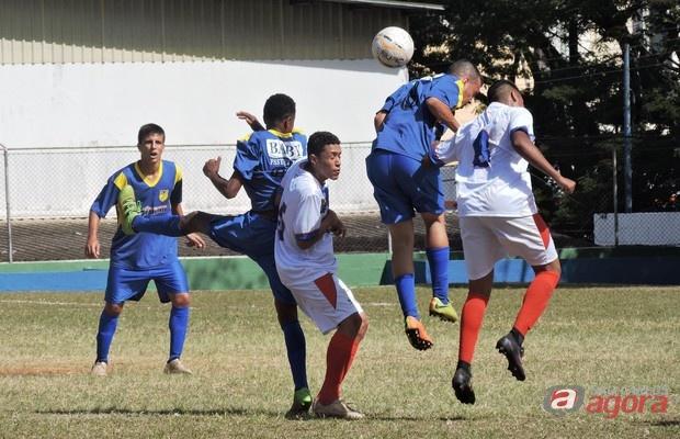 Lobão fez 2 a 1 e avançou às quartas de final com duas rodadas de antecedência. Foto: Gustavo Curvelo/Divulgação -
