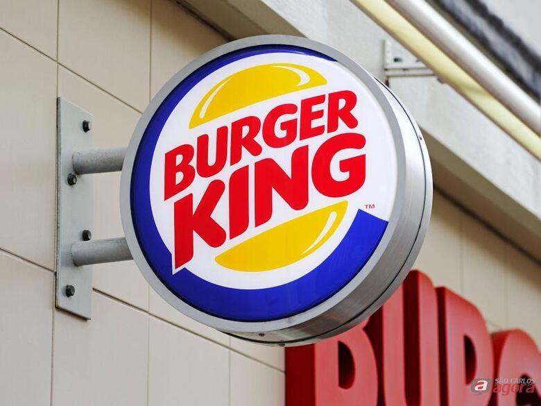 Burger King é condenado em R$ 1 milhão por jornada abusiva -