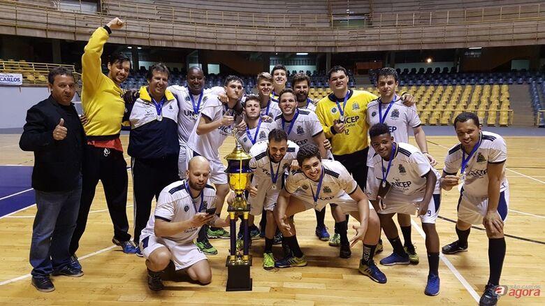 Equipes da SMEL vencem Copa de Handebol -
