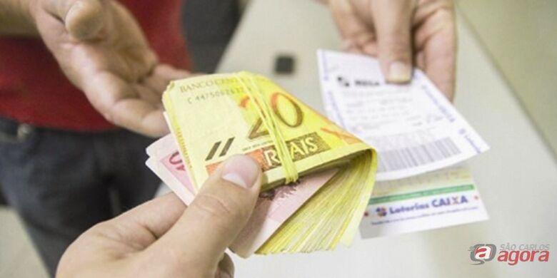 Idoso cai no golpe do bilhete premiado e perde R$ 19.500 em São Carlos -