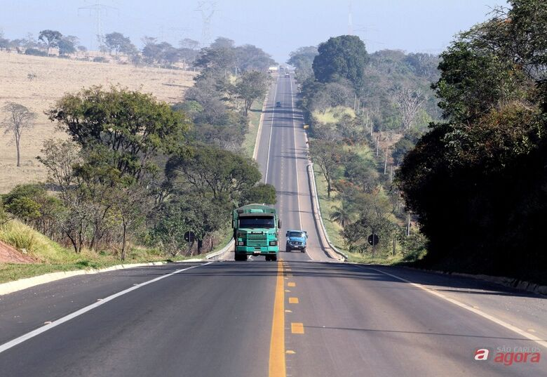 Estrada que corta São Carlos está entre as 10 melhores do pais  -