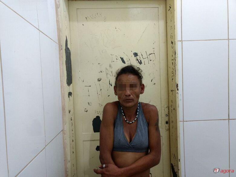 Mulher procurada por furto é presa no Centro -