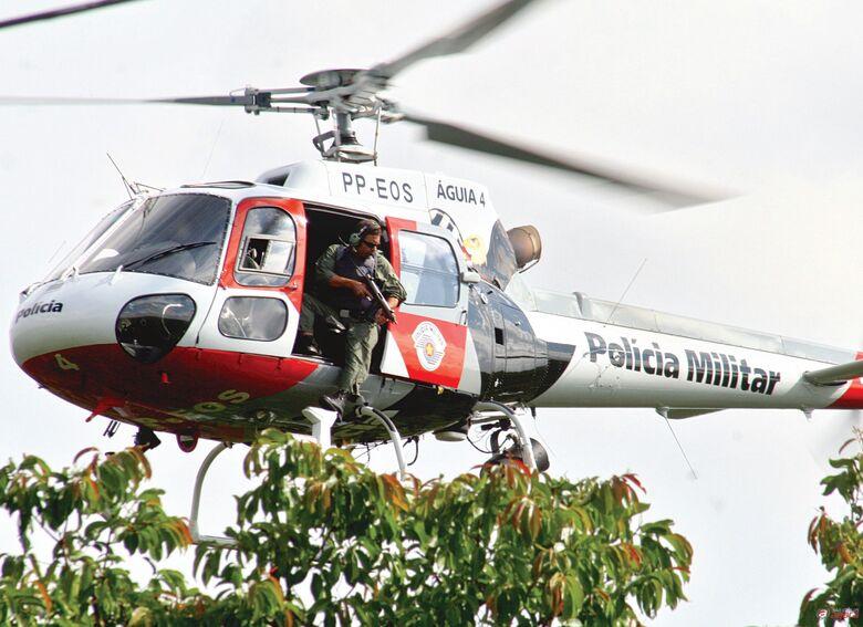 PM realiza operação com apoio do helicóptero Águia  -