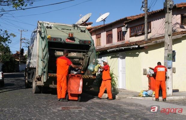 Coleta de lixo tem horário diferenciado no final do ano -