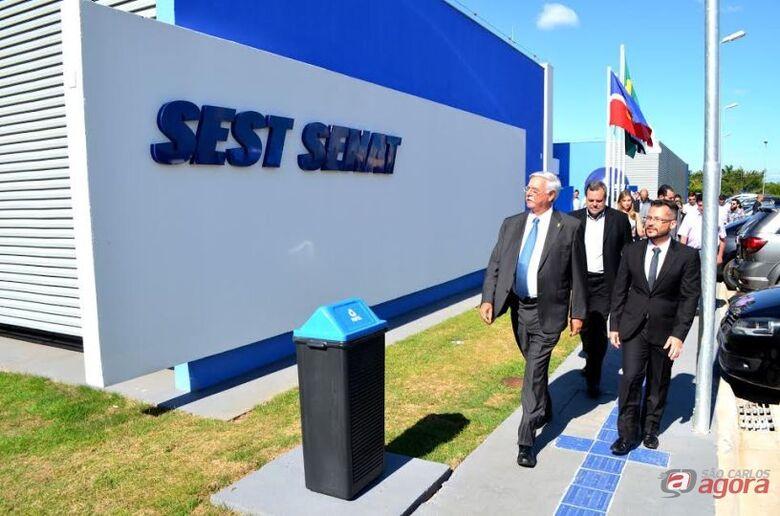 Lobbe Neto conhece estrutura da unidade do SEST SENAT em inauguração -