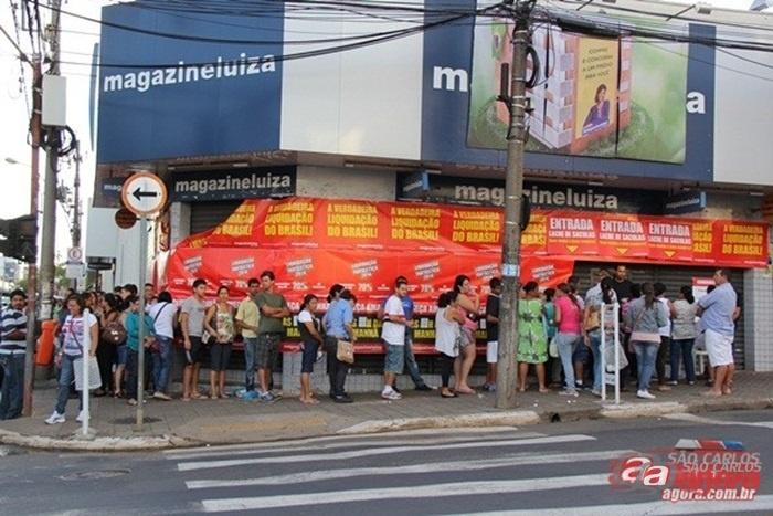 Magazine Luiza realiza tradicional liquidação nesta sexta-feira -