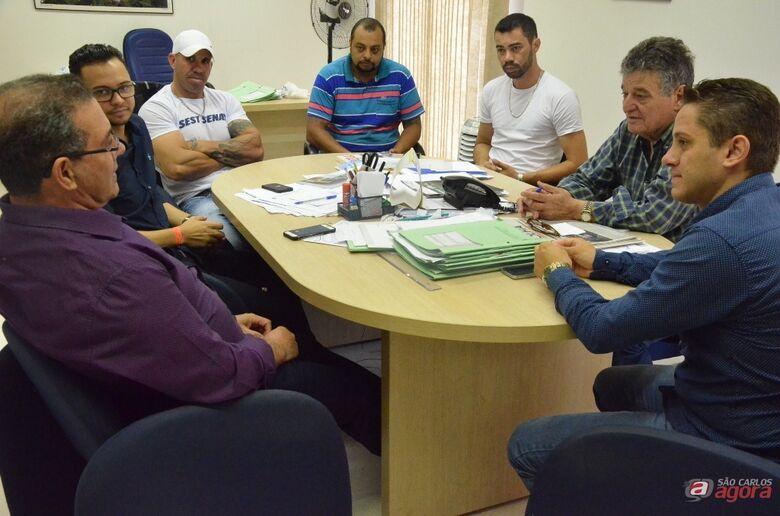Secretário de Governo se reúne com representantes dos motoristas da Suzantur e do Sindicato -