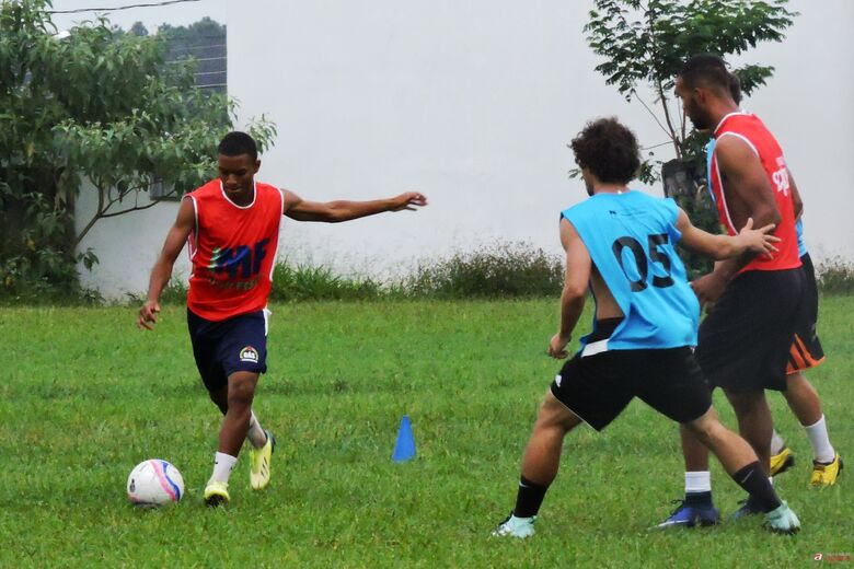 Atletas em observação treinaram nesta quarta-feira, 14, no clube dos Metalúrgicos. Foto: Gustavo Curvelo/Divulgação -