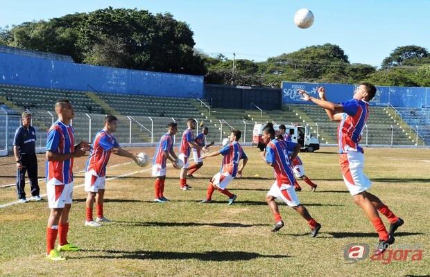 Primeira partida em São Carlos será em 15 de abril, diante do XV de Jaú. Foto: Gustavo Curvelo/Divulgação -
