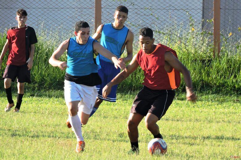 Jogadores convocados pela comissão técnica serão integrados ao time principal. Foto: Gustavo Curvelo/Divulgação -