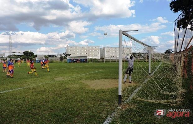 Dois jogos serão realizados no campo de Vila Isabel. Foto: Gustavo Curvelo/Divulgação -