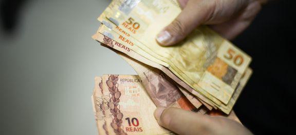 Em fevereiro, a inflação foi puxada pelo grupo educação, que, com alta de 3,89%, respondeu por mais da metade do IPCA no mês - Crédito: Marcello Casal Júnior/Agência Brasil