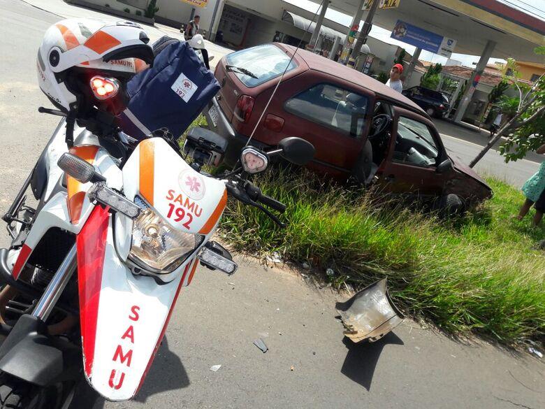 Violenta colisão fere três pessoas na Bruno Ruggiero - Crédito: Maycon Maximino