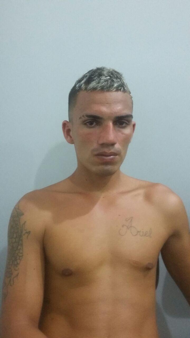 Jovem acusado de tentar assaltar salão de beleza é preso pela Força Tática - Crédito: Maycon Maximino